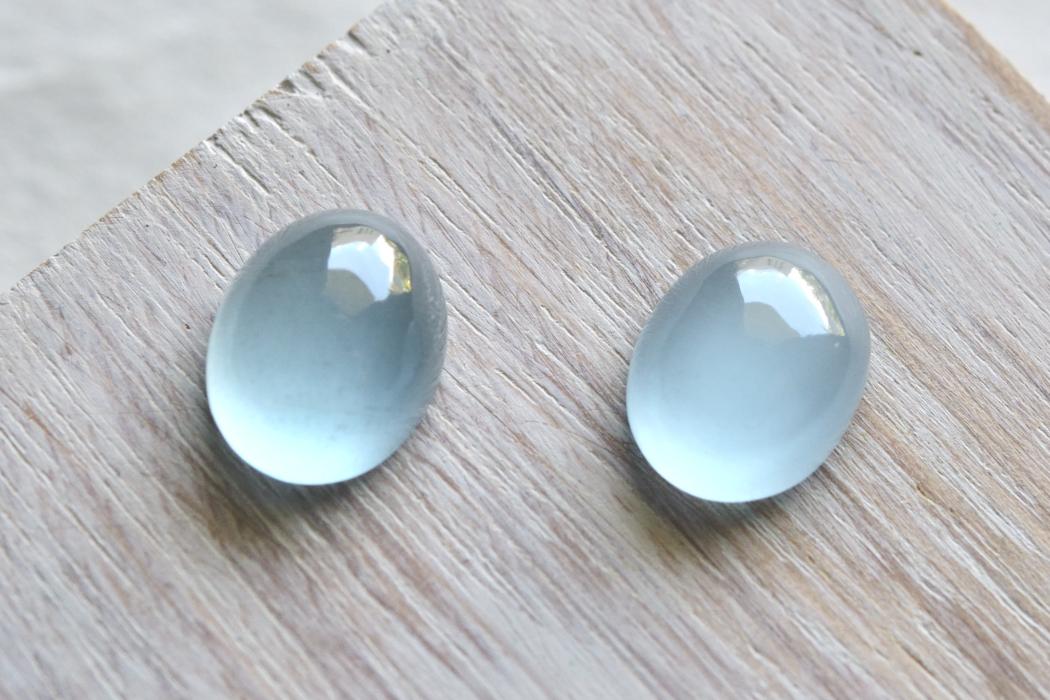 アクアマリン【9】天然石ルース・カボション(16×13mm)