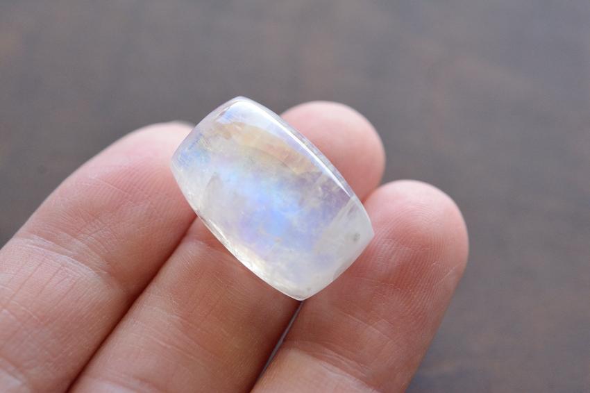 ムーンストーン【4】天然石ルース・カボション (×mm)