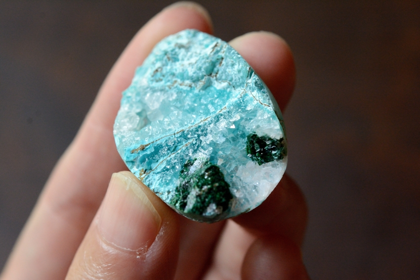 ジェムシリカ・ドゥルージー【2】 天然石ルース・カボション (36.5×25mm)
