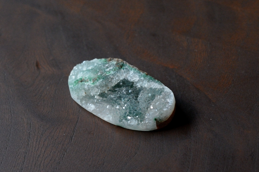 ジェムシリカ・ドゥルージー【7】 天然石ルース・カボション (37×20mm)