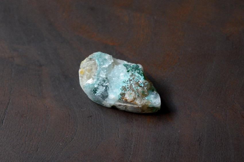 ジェムシリカ・ドゥルージー【13】 天然石ルース・カボション (27×15.5mm)