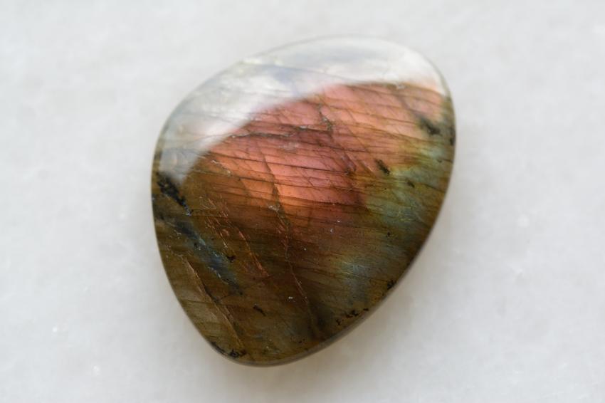 ラブラドライト (ピンクパープル)【117】 天然石ルース・カボション(38×29.5mm)