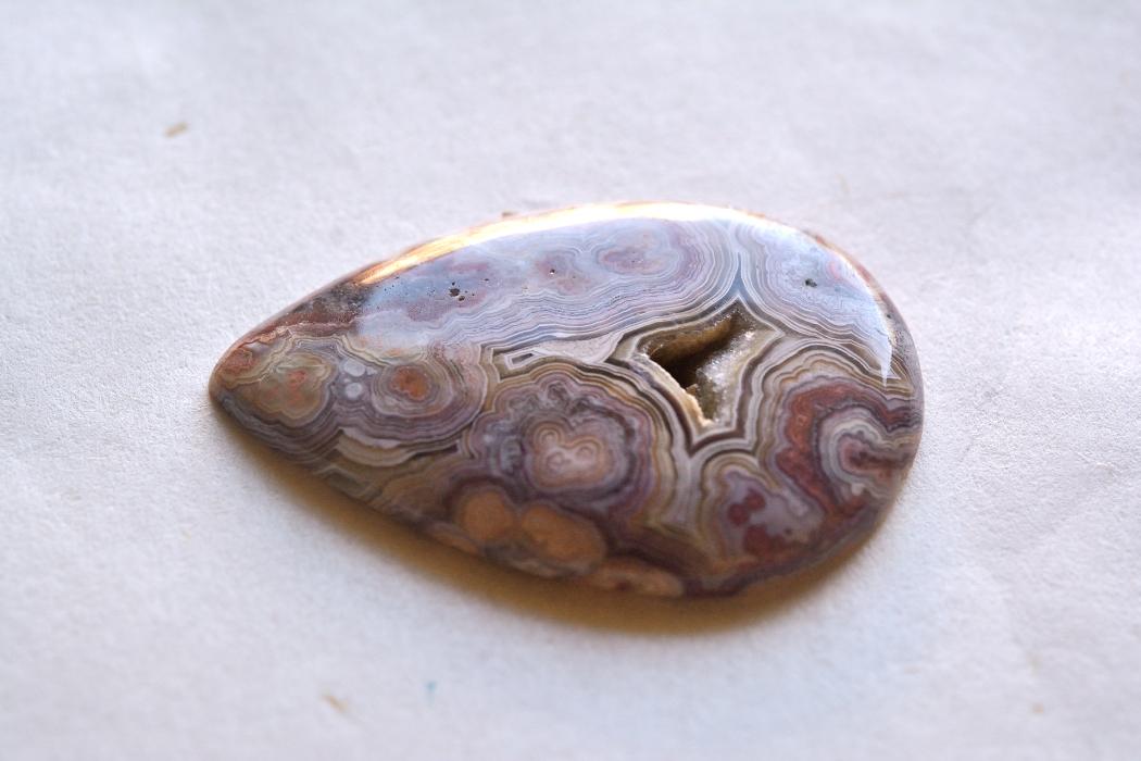ラグナレースアゲート【6】天然石ルース・カボション(40.5×24.5mm)
