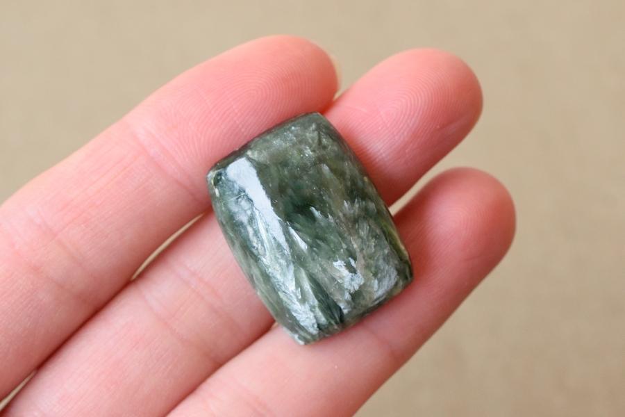 セラフィナイト【7】 天然石ルース・カボション(24×18mm)