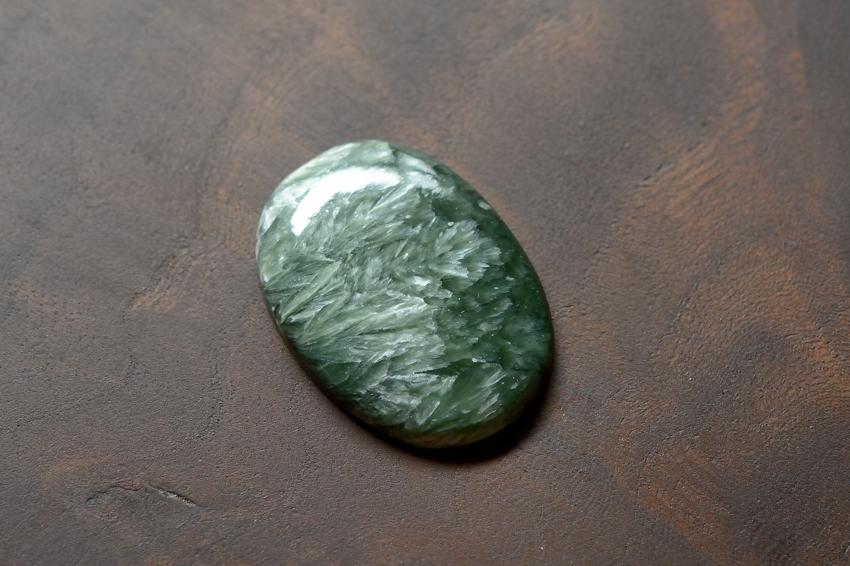 セラフィナイト【13】 天然石ルース・カボション(31×22.5mm)