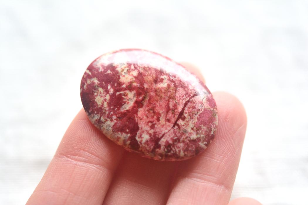 チューライト【1】 天然石ルース・カボション (42.5×25.5mm)